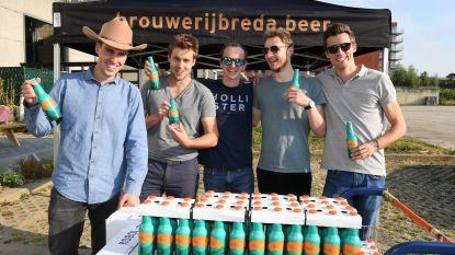 Acht vrienden lanceren eigen gin-tonicbier 'Koboi'