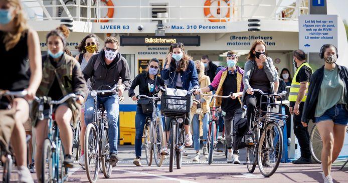 Burgemeesters in het Groene Hart voelen niets voor de verplichting van mondkapjes.