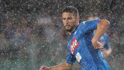 Napoli, met Mertens als invaller, wint opener tegen Verona