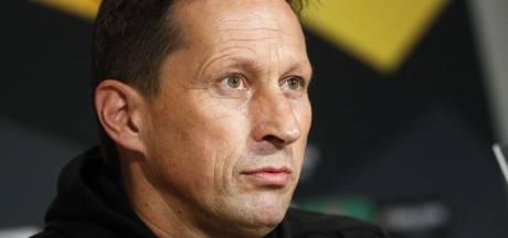Schmidt bezorgd over de corona-situatie bij PSV: 'Goed voor elkaar zorgen, maar ook focussen op de wedstrijd'