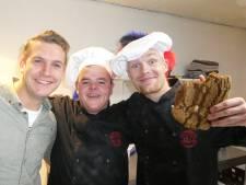 Vlogspeculaas gaat viral vanuit Almelose bakkerij