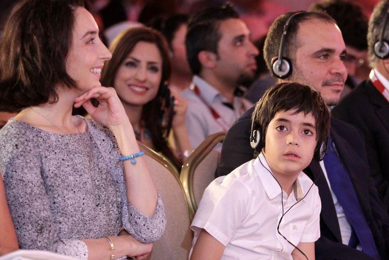 De Jordaanse prins Ali Bin Al-Hussein met zijn vrouw en zoon. Beeld ANP