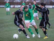 Eendracht speelbal voor SC Groessen, 4 spelers uit selectie gezet