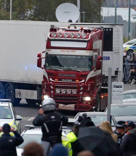"""Le chauffeur du """"camion de l'horreur"""" a longuement hésité avant d'appeler la police"""