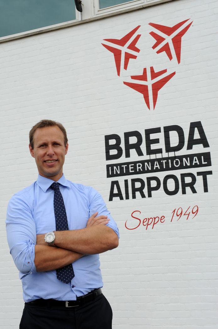 IPTCBron  EDMUND MESSERSCHMIDT 2014  BOSSCHENHOOFD  04/07/2014  FOTO: EDMUND MESSERSCHMIDT  STEF HAVE VAN 'BREDA INTERNATIONAL AIRPORT'.