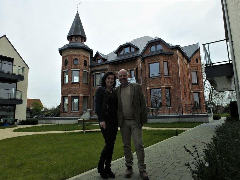 Isabelle De Pourcq en Peter De Graeve bij de Villa Wybo.