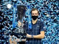Medvedev verslaat na Djokovic en Nadal ook Thiem en wint ATP Finals