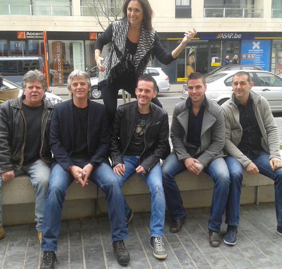 Wendy Van Wanten en haar rockband Out Of Service.