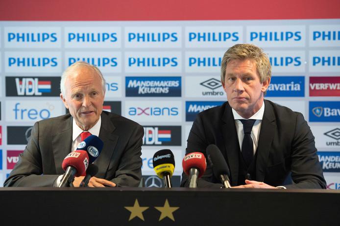 Marcel Brands staat bij PSV tot midden 2020 onder contract. Vorig jaar is de verbintenis verlengd. Links RvC-voorzitter Jan Albers.