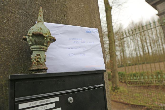 De brieven voor het parket wordt in de foute brievenbus in een andere straat gestopt.