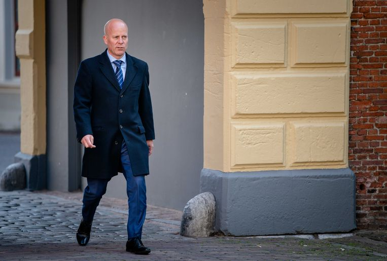 Staatssecretaris Raymond Knops van binnenlandse zaken en koninkrijksrelaties (CDA) bij aankomst op het Binnenhof voor de wekelijkse ministerraad.  Beeld ANP