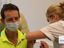 Duizend medewerkers van AZ Sint-Jan krijgen eerste coronavaccin