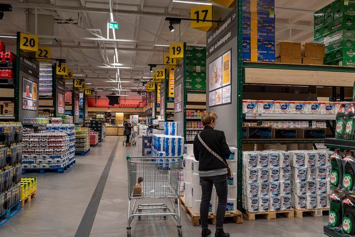Nu kan iedereen boodschappen doen bij de groothandels. Zo ook bij de Sligro in Bergen op Zoom.