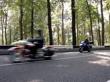 Motorrijder waant zich met 129 km als Valentino Rossi in Steenwijk