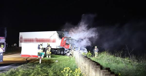 Puttenaar komt om het leven bij botsing met vrachtwagen bij Beneden-Leeuwen.