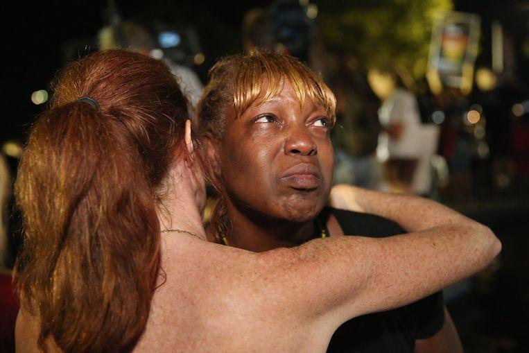 Tanetta Foster barst na het vernemen van de vrijspraak uit in huilen voor de rechtbank van Sanford, Florida. Beeld getty