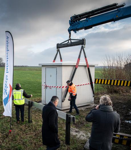 Het eerste huisje stáát: in de zomer al snel internet in Rivierenland