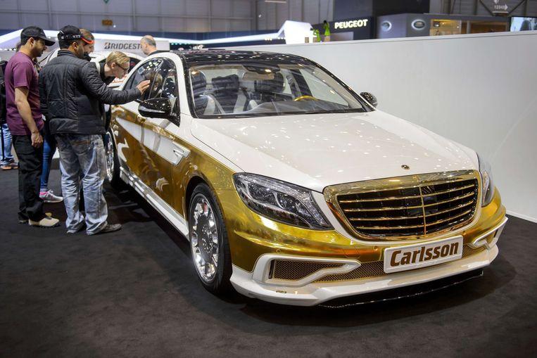 Getunede auto's bestaan er in allerlei versies, zoals hier deze Mercedes, maar ze moeten voldoen aan de vigerende wetgeving om er mee op de baan te mogen. Dat was deze morgen in Roeselare niet het geval.
