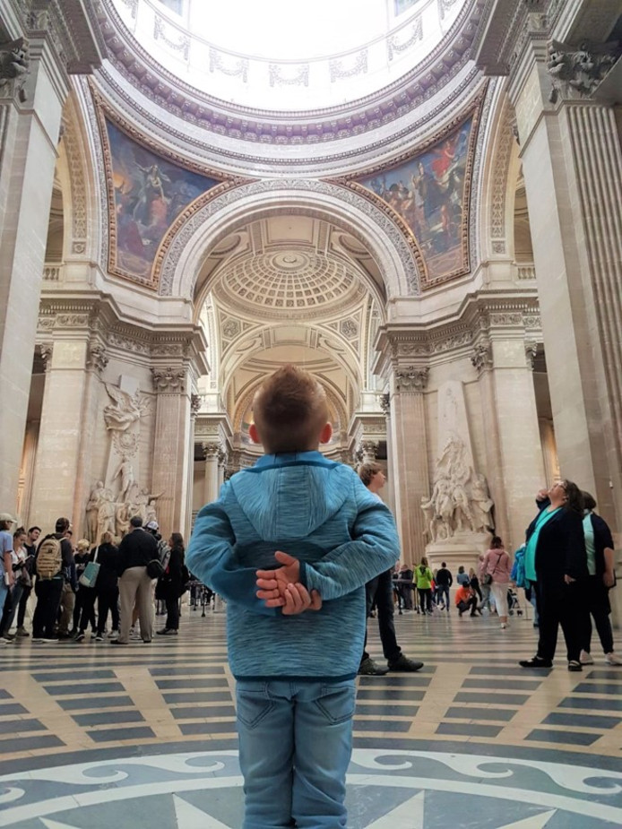 Deze foto werd gemaakt in het Pantheon in Parijs en is de weekwinnaar. Trotse opa Ronald Jonkman stuurde ons de foto toe.