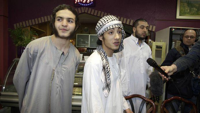 Leden van de islamitische organisatie Sharia4Holland. De Tweede Kamer heeft vandaag een wet aangenomen die jaren van procederen tegen soortgelijke organisaties moet verkorten.