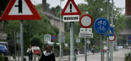 'Overbodige verkeersborden verdwijnen in Nissewaard'
