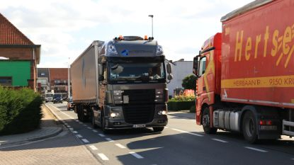 Vrachtwagens voortaan verboden in centrum Kluizen