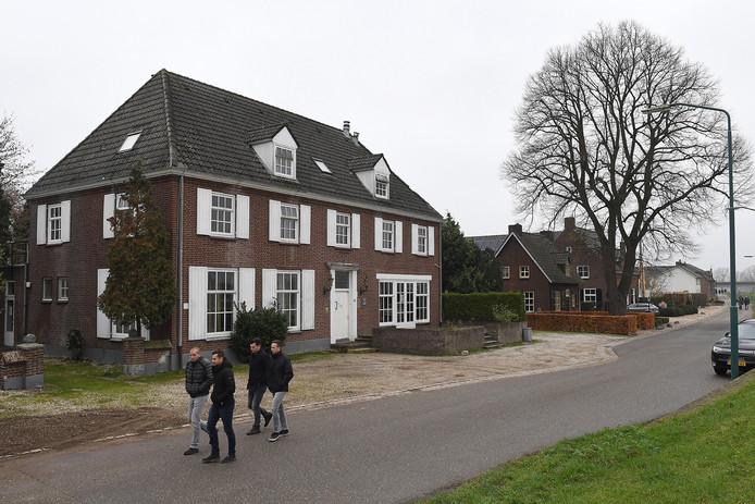 Het oude Maashotel in Katwijk verandert volgend jaar in een internationaal bijencentrum.