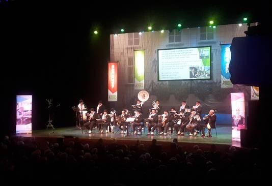 Onder de naam 't Roosendaals Uurke was  er onder anderen een optreden door het IQ Aarmoei-nieke. Foto Alfred de Bruin