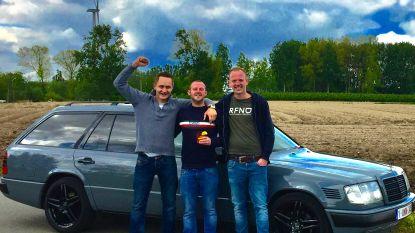 Noorderwijkse vrienden rijden samen Budapest Rally in kleurrijke Mercedes