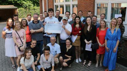 Theatervoorstelling van CVO HIK levert 3.329 euro op voor vzw Twerk