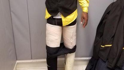 Sluwe smokkelpoging: vliegtuigmedewerker betrapt met 4 kilo cocaïne aan zijn benen