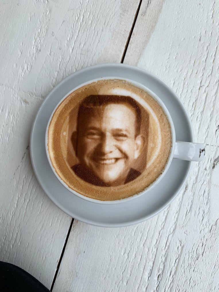 Selfieccino' met uw zelfportret in het melkschuim, € 4,50. amadacoffee.nl. Beeld null