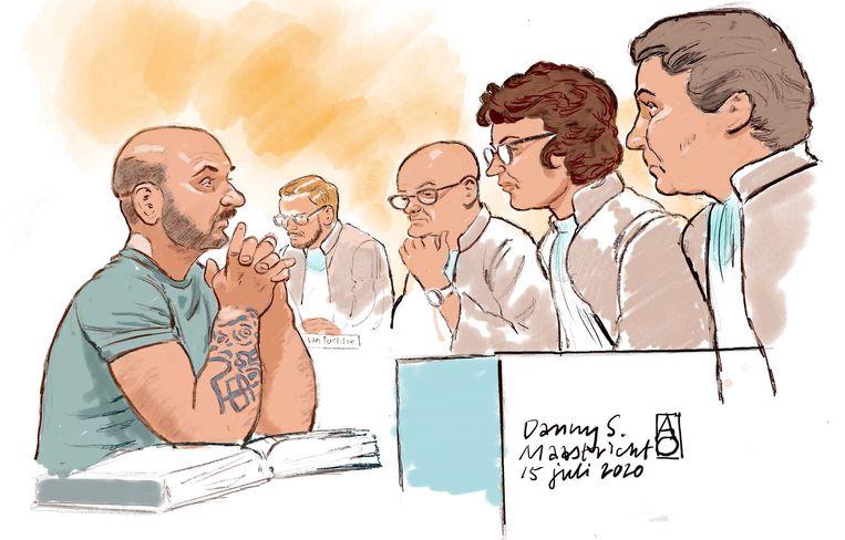 Rechtbanktekening van bestuurder Danny S., in de rechtbank Maastricht tijdens de zaak over de fatale aanrijding na afloop van Pinkpop in 2018.  Beeld ANP