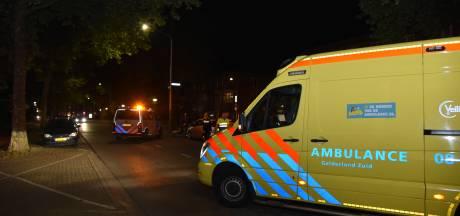 Bestuurder crossmotor raakt licht gewond na botsing met auto in Nijmegen