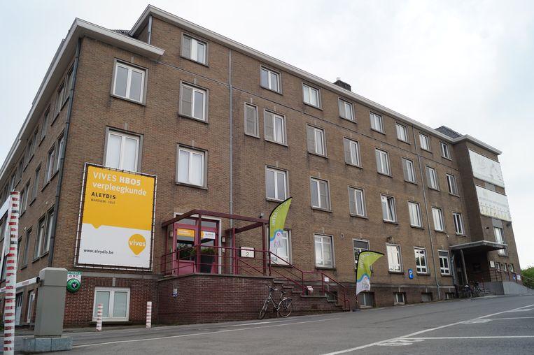 Het internaat van Tielt neemt vanaf september de studentenkamers op de tweede en derde verdieping van het Lucasgebouw in de Beernegemstraat in