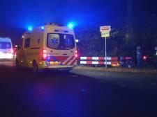 Automobilist in Borne rijdt de bosjes in; Prins Bernhardlaan afgesloten