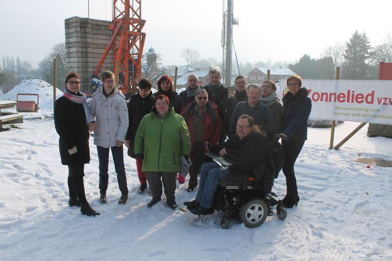De inwoners van Zonnelied kregen een rondleiding op de bouwwerf. Tegen eind 2020 moet de zorginstelling een nieuwe campus hebben.
