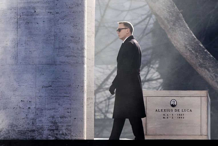 Daniel Craig tijdens de opnames van Spectre in Italië. Beeld anp