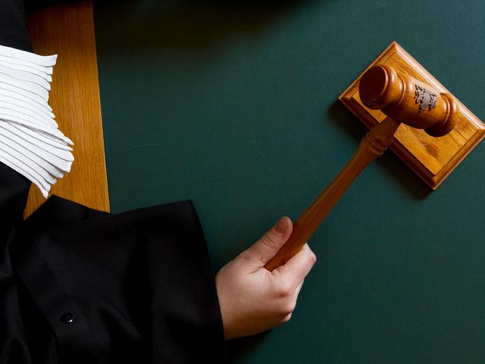 Twee broers en een neef zijn veroordeeld tot geldstraffen van 750 euro.