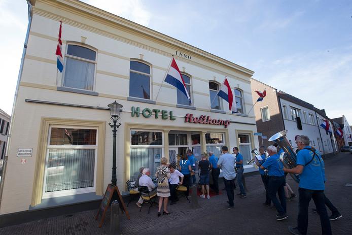 De heropening van Hotel Heitkamp in 's-Heerenberg.