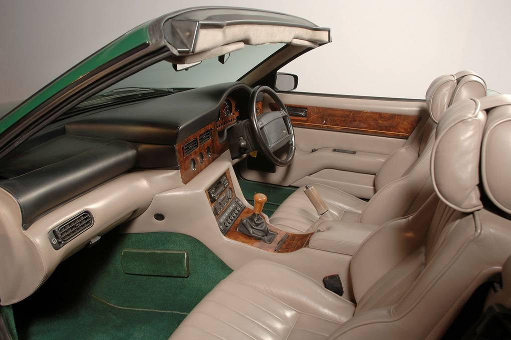 Aston Martin interieur