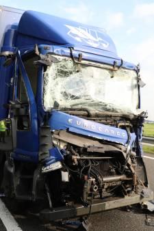 File op A12 na ongeluk met twee vrachtwagens, weg is weer vrij