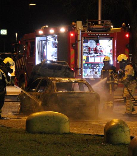 Brand verwoest auto naast tankstation langs A1