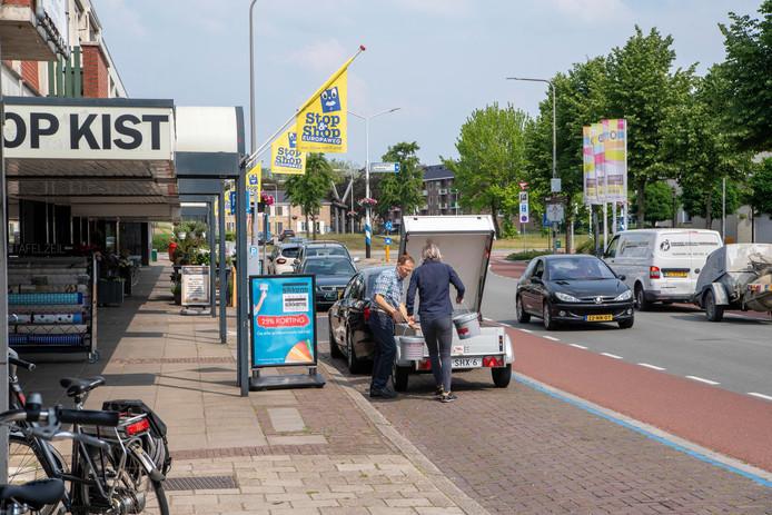 De winkeliers hebben de vlag uitgestoken voor de 'Stop&Shop-zone' langs de Europaweg.