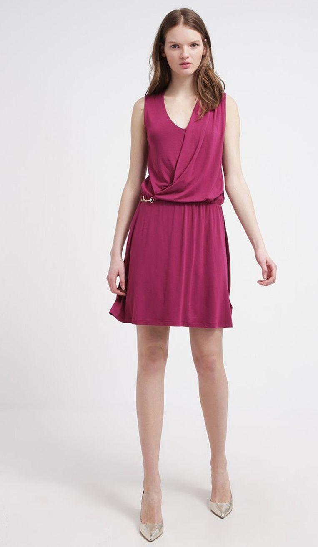 8867b8234c35f0 De jurk die iedereen flatteert  waarom je dit kledingstuk nu moet ...
