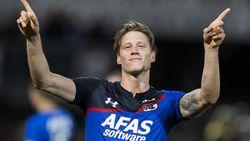 AZ wint op het veld van Sparta en komt naast Feyenoord op kop
