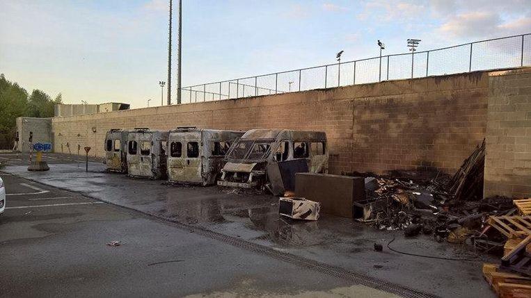 De vier enige politiecombi's zijn vorige maand in brand gestoken.