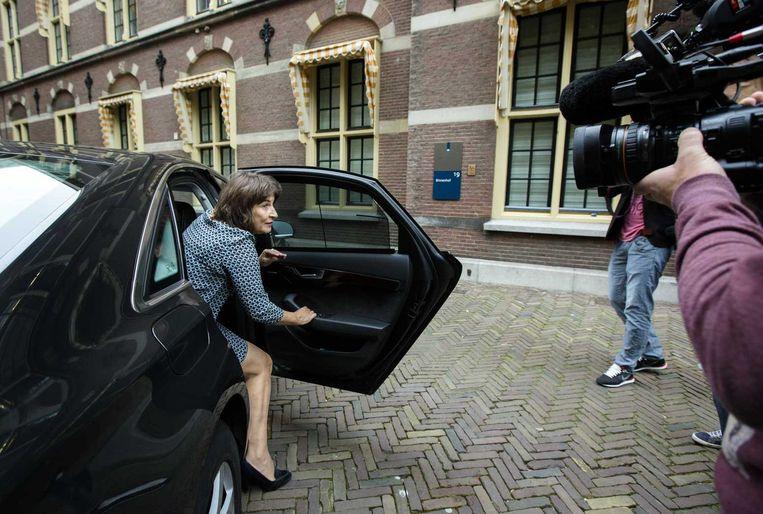 Minister Lilianne Ploumen voor Buitenlandse Handel arriveert op het Binnenhof voor de wekelijkse ministerraad. Beeld anp