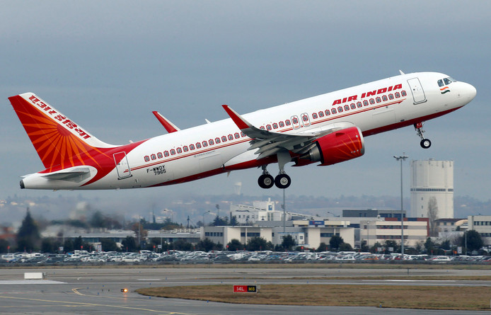 Een Air India Airbus A320neo vliegtuig vertrek vanaf Colomiers bij Toulouse, Frankrijk