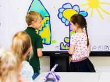 Ctouch uit Eindhoven gaat zo'n 3000 digitale schoolborden leveren in België